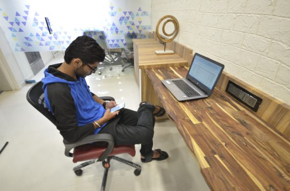 Spaces Coworking : Dedicated desks to keep you focussed on work
